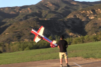 Video: Aeroworks Yak55M, 3W-170CS, Hitec, Fromeco